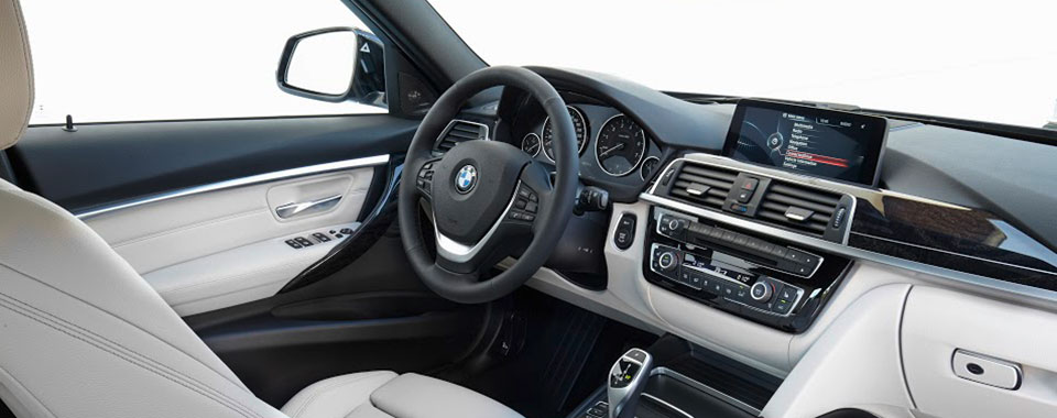 BMW 320i - noi-that-01