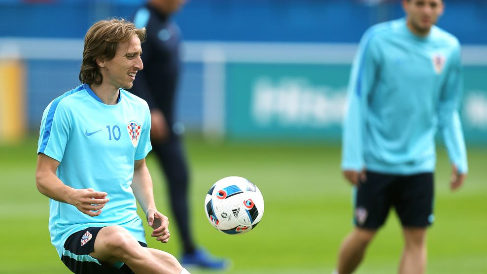 Croatia's midfielder Luka Modric attends a training session in Deauville, northwestern France, on June 15, 2016, during the Euro 2016 football tournament. / AFP / CHARLY TRIBALLEAU (Photo credit should read CHARLY TRIBALLEAU/AFP/Getty Images)